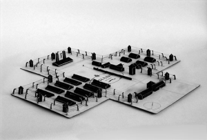 "Tom Sachs, Prada Death Camp, 1998, cardboard, ink and adhesive, 27¼ x 27¼ x 2"". Courtesy of Tom Sachs Studio. Fuente: Bomb"